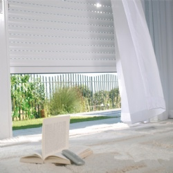 Manual crank roller shutter window